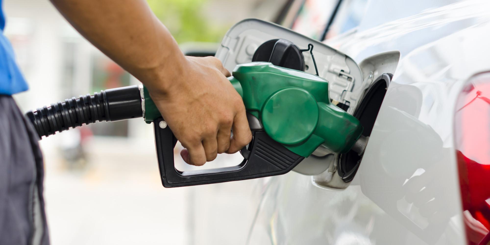 Gobierno baja todos los combustibles