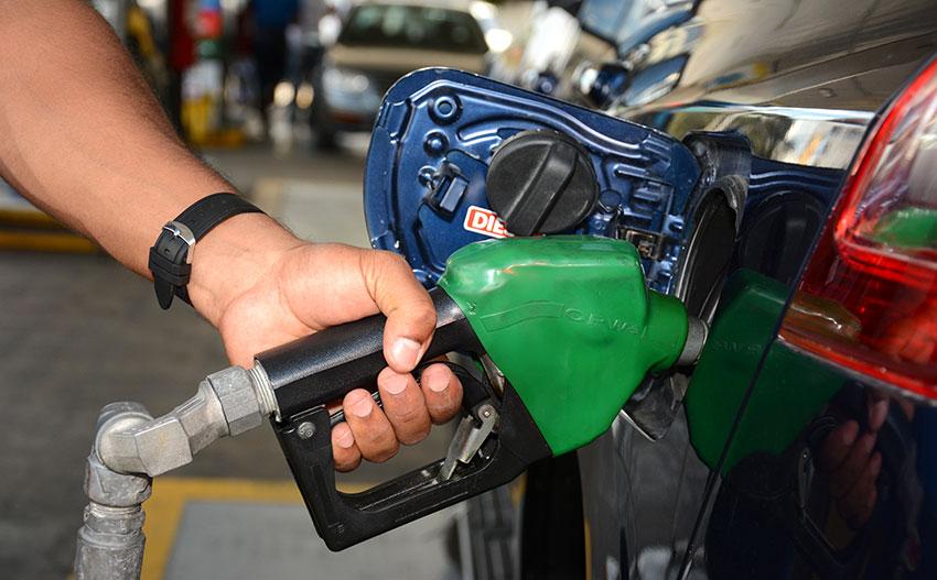 Gasolinas bajan RD$ 1.80, pero el gasoil regular sube RD$ 1.20