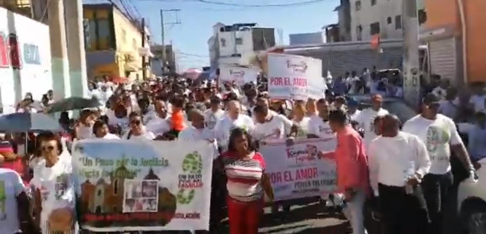 """Miles de católicos dan """"Un Paso por la Familia en San Cristóbal"""""""