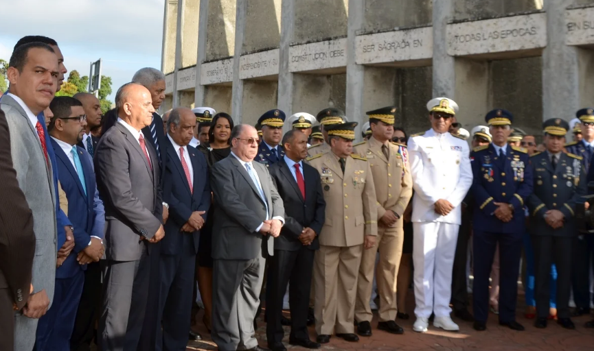 Nelson Guillén afirma Constitución debe ser estudiada por la población