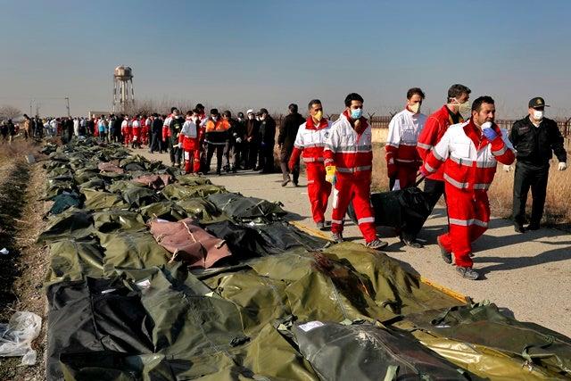 Se estrella avión en Irán y mueren los 176 pasajeros