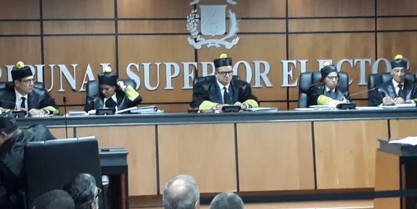 TSE se declara incompetente conocer medida contra presidente Medina