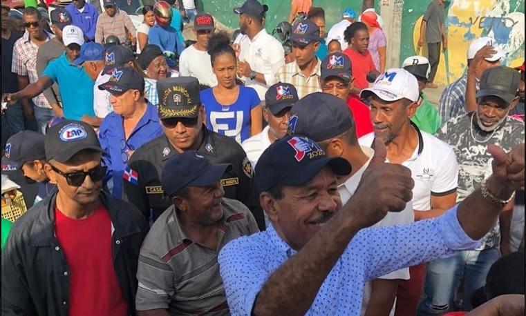 Mercaderes de San Cristóbal respaldan a José Montás a sindicatura